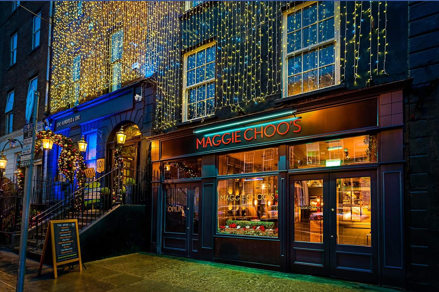 Maggie Choos bar shopfront by Teamwoodcraft joineryIreland